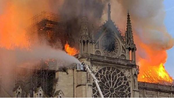 巴黎圣母院失去了才后悔,不要让箱包金属拉链出事了才知错